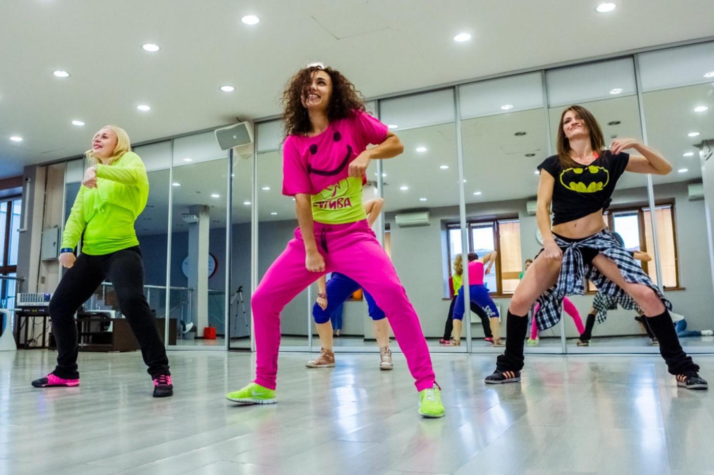Смотреть Онлайн Танцы Зумба Для Похудения. Зумба видео